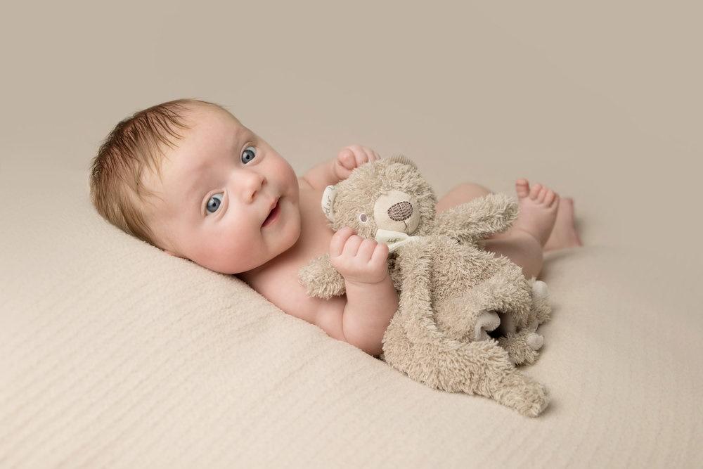 Как воспитывать ребенка в 2 месяца