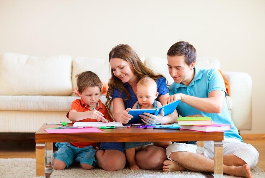 Как воспитывать годовалого ребенка