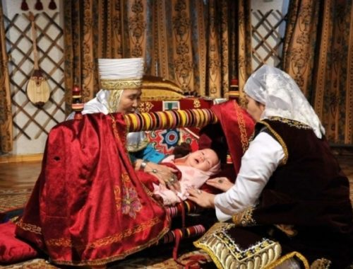 Как воспитывают детей в казахской семье